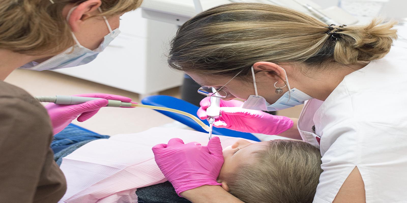 Dantų padengimas silantais
